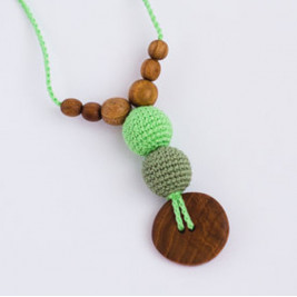 Best Babywearing Necklace in Greens, Oak Wood