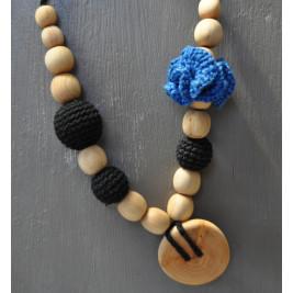 Necklace babywearing and breastfeeding Kangaroocare Physio Black Iris Flower Limited Series Naturiou