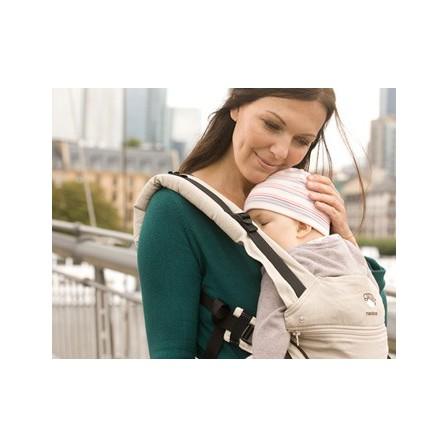 Porte-bébé Manduca noir avec bébé confortablement installé