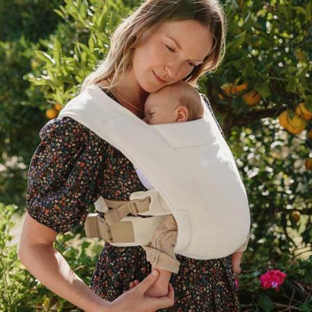 Ergobaby Embrace Intense Black - Door-New born baby