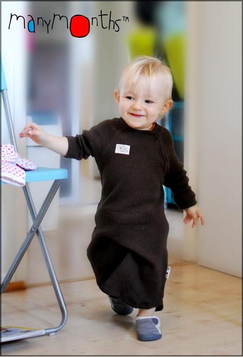 Enfant marchant en gigoteuse manymonths